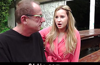 Old man taste the pee of a young blonde, after fuck - 6:46