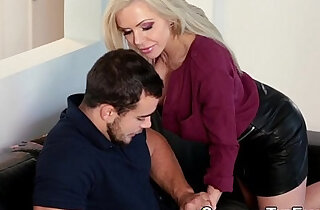 Older stepmoms juggs jizz - 9:02