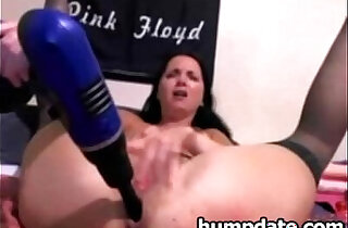 Babe drilling and toying her squirting pussy - 7:39