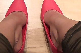 Naomi red high heels dipping video - 4:46
