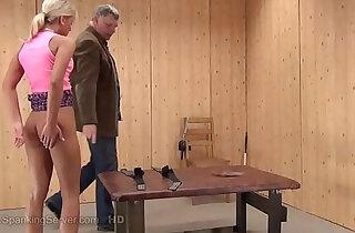 Mielas spanking - 3:40