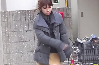 Japanese hos public pee - 11:31