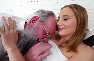 Grandpa and her much younger girlfriend Kiki Cyrus - 7:27