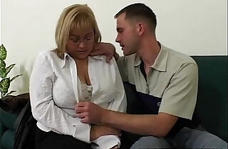 Big Tit BBW Fucked By Repairman In The Couch - 30:23
