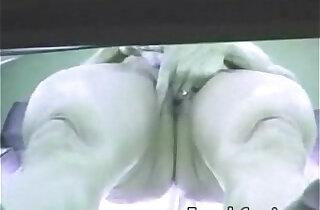 Voyeur Camera Mulher pelada se masturba no bronzeamento Flaga amador - 3:57