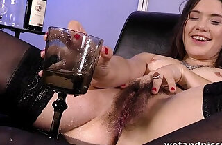 Sofa Squirting for hot chick with an untrimmed pussy - 21:24