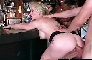 Mature horny Lady diamond simone Fucks A Big Monster Cock On Cam vid - 6:05