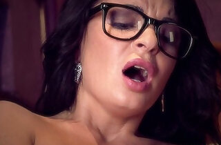 Glasses MILF Squirts So Much! - 9:38