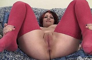Chubby Hannah Vibrating Her Pussy - 6:45