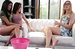 Hot teens tag teamed the babysitter Veronica Rodriguez, Jenna Sativa Alexa - 6:10