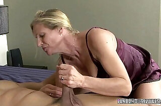 Mature slut sucks and fucks black dude - 6:46
